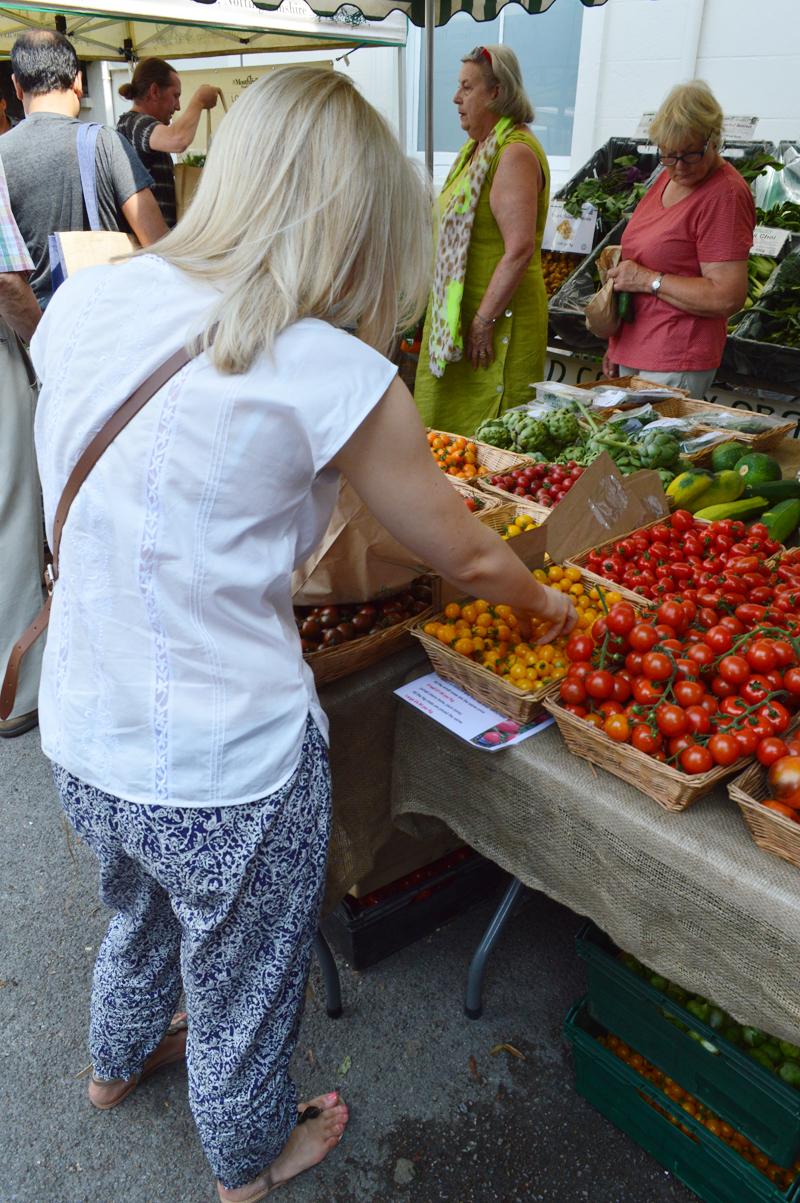 Tomato shopping